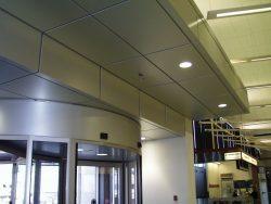 Dec-1999    Edmonton Airport Entrance